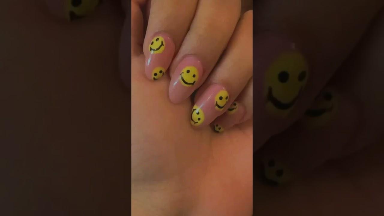 CRAZY SMILEY Gel Nail Extensions #shorts #nails #nailart #quirky