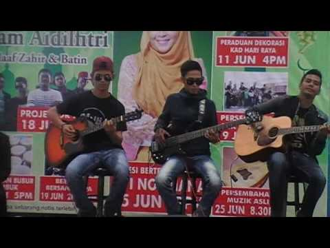 Insan Terhina cover by Projector Band ft. Apit 18.06.2016 Pearl City Mall