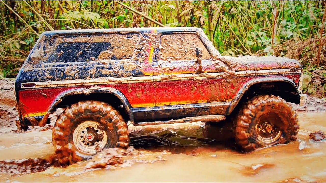 RC CAR OFF ROAD IN THE MUD - TRAXXAS TRX 4 FORD BRONCO
