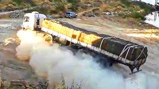 Top 10 Extreme Dangęrous Idiots Truck Fails Compilation 2021 - Crazy Heavy Equipment Drive Skill