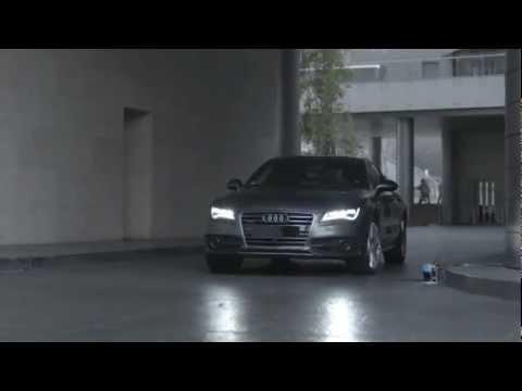 Ces 2013 audi presenta l 39 auto che si guida da sola youtube for L auto che si guida da sola