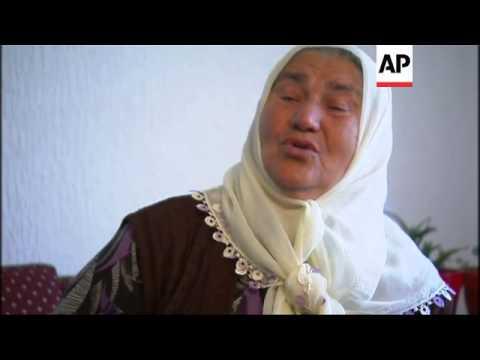 Srebrenica massacre survivors watch Mladic's trial