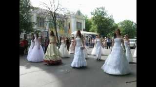 Парад Невест в Чернигове 26 мая 2012(, 2012-05-26T18:56:26.000Z)