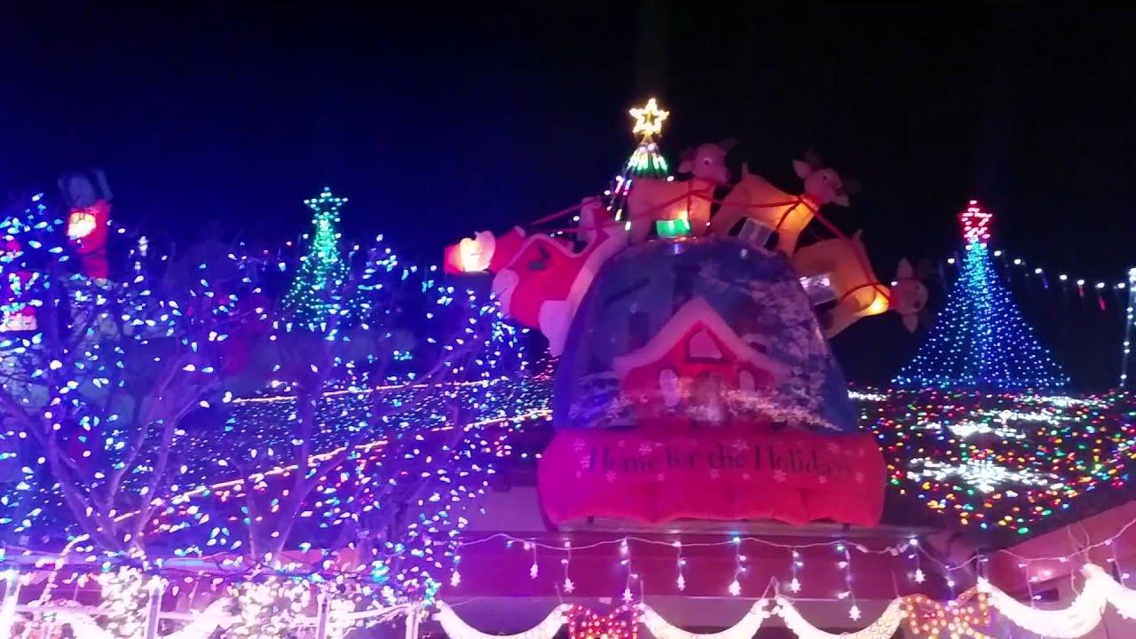 Christmas Lights 821 Massera Way. Modesto, CA - YouTube