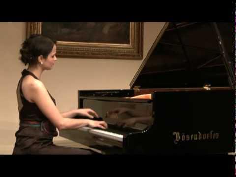 Dora Deliyska plays Liszt Un sospiro