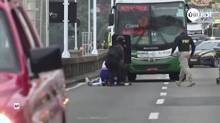 الشرطة تقتل مسلحا احتجز رهائن في حافلة في البرازيل