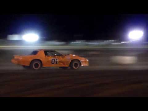 Gary Pescador #01 Main Event 4/1/17 Paradise Speedway Maui