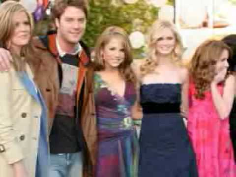 Pics Of Sara Paxton Also Sara In The Club And Kissing A Boy