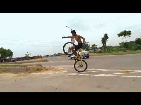 0.6 Gravity Riderz 1st Official Stunt...