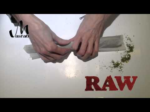 Quickly Rolling a 40 Gram Joint!