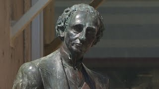 Victoria looking to remove John A. Macdonald statue