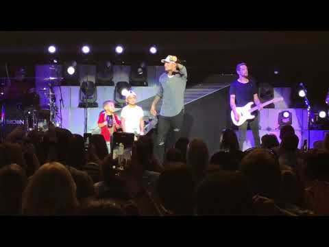 Kane Brown - Heaven & What Ifs LIVE 9/29/18 at The Mann in Philadelphia, PA