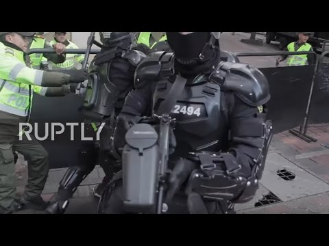 Colombia: Activists clash with police as bullfighting returns to Bogota