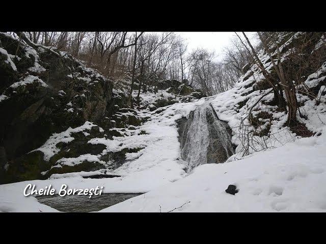 Cascada mare din Cheile Borzești (timelapse)
