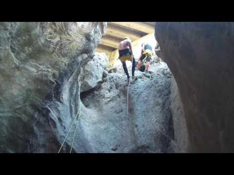 VALENCIA ADVENTURE, Canyoning Gorgo de la escalera 2