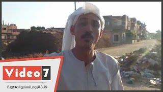"""بالفيديو..مواطن لمحافظ الغربية: """"ارحمونا من طريق كفر العجايزة وسفلتوه"""""""