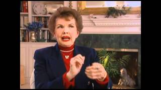 "Gale Storm on the physical comedy on ""My Little Margie"" - EMMYTVLEGENDS.ORG"