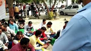 Up police 2009 k presan abhiyarthi SC k aadesh k bad b nhi mili joining....