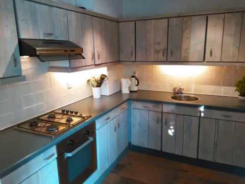 Keuken Zelf Maken : Verbouwing keuken steigerhout frontpanelen youtube
