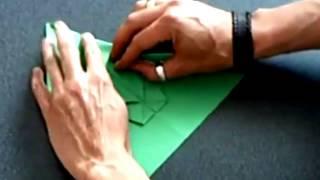 Как сделать красивые цветы из бумажных салфеток своими руками(Это видео создано с помощью видеоредактора YouTube (http://www.youtube.com/editor), 2015-05-20T21:09:52.000Z)