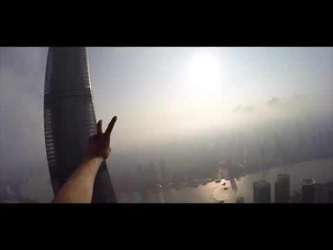 Daredevil Gets Arrested for Climbing Skyscraper After Scaling Egypt Pyramid