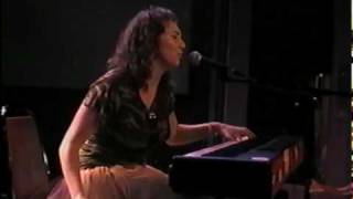 Regina Spektor Poor Little Rich Boy 2004 09 09 4 Of 13