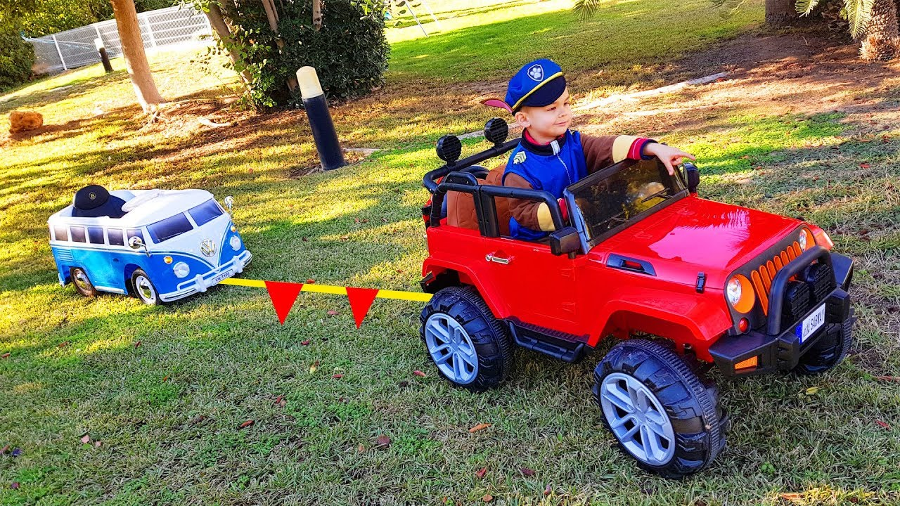 Little Bus stuck in the mud - Paw patrol to the rescue