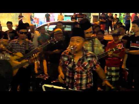 kancing suasa wan razali traditional band