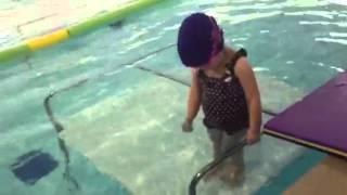 София в бассейне(, 2013-02-28T08:06:27.000Z)