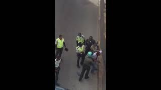Incidente entre chófer y agentes de la Amet en la Jonh F Kennedy con Winston churchill