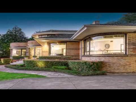1930s Style House Deco