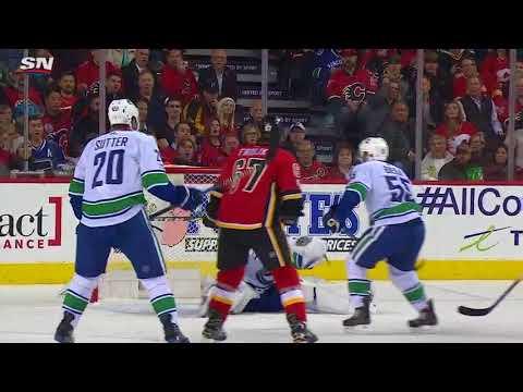 Vancouver Canucks vs Calgary Flames - November 7, 2017 | Game Highlights | NHL 2017/18