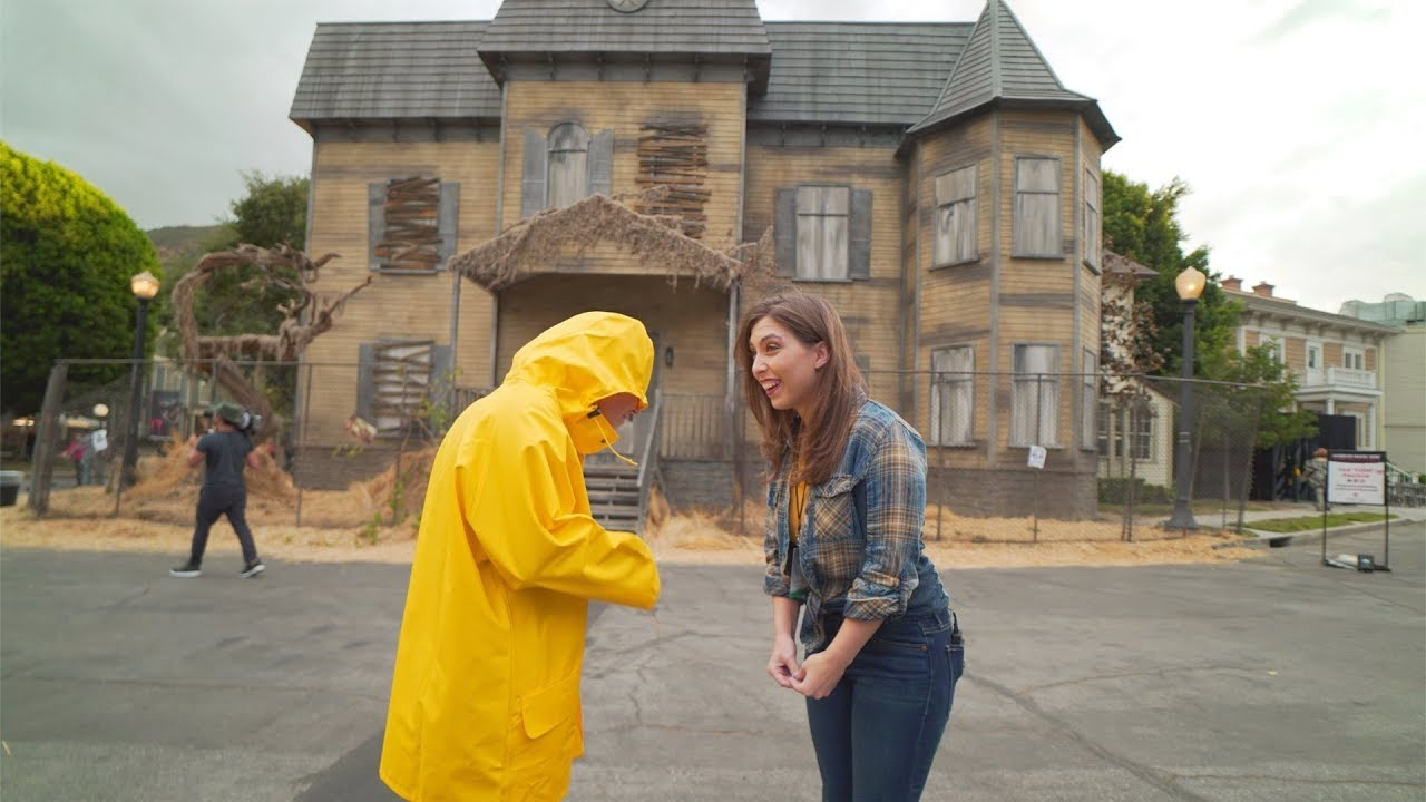 Download IT Knows What Scares You maze at Warner Bros. Studio Tour Horror Made Here A Festival of Frights