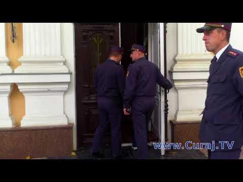 Un consilier al lui Dodon a primit-o... doar cu protest - Curaj.TV