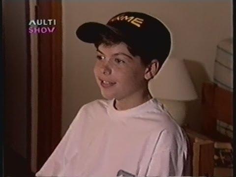 Samuel Costa, o menino maluquinho, jogando videogame no programa Stargame (anos 90)