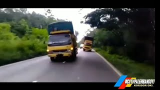 Kumpulan vidio truk oleng part 4 #CCTVJEMBER2MBOIS