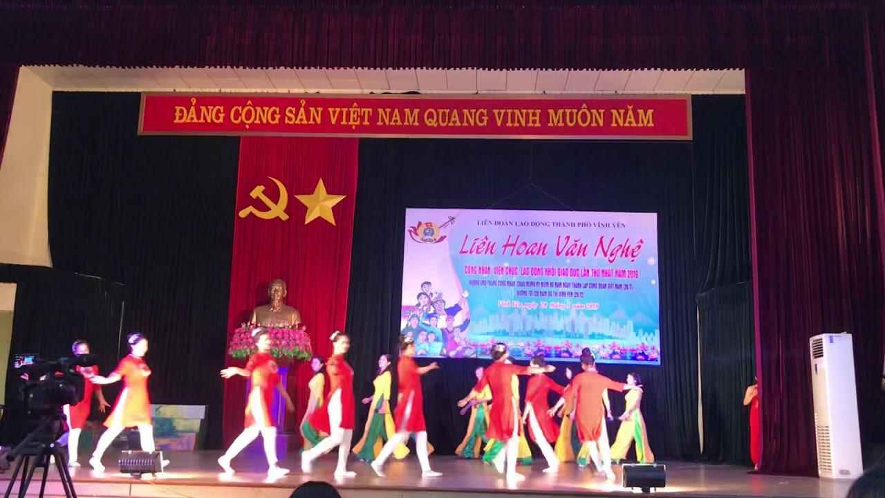 Hát, múa: Bài ca cô giáo trẻ – Công đoàn trường MN Ngô Quyền, tp Vĩnh Yên, Vĩnh Phúc.