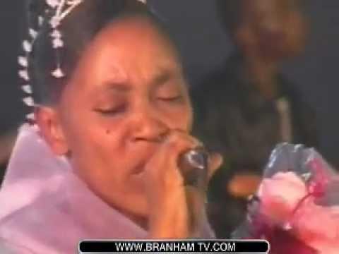 HENRIETTE FUAMBA, CONCERT LIVE