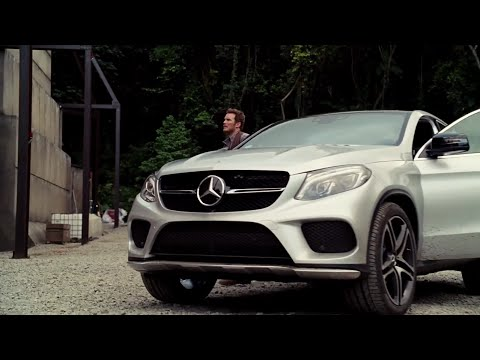 Mercedes-Benz Behind-the-Scenes of Jurassic World