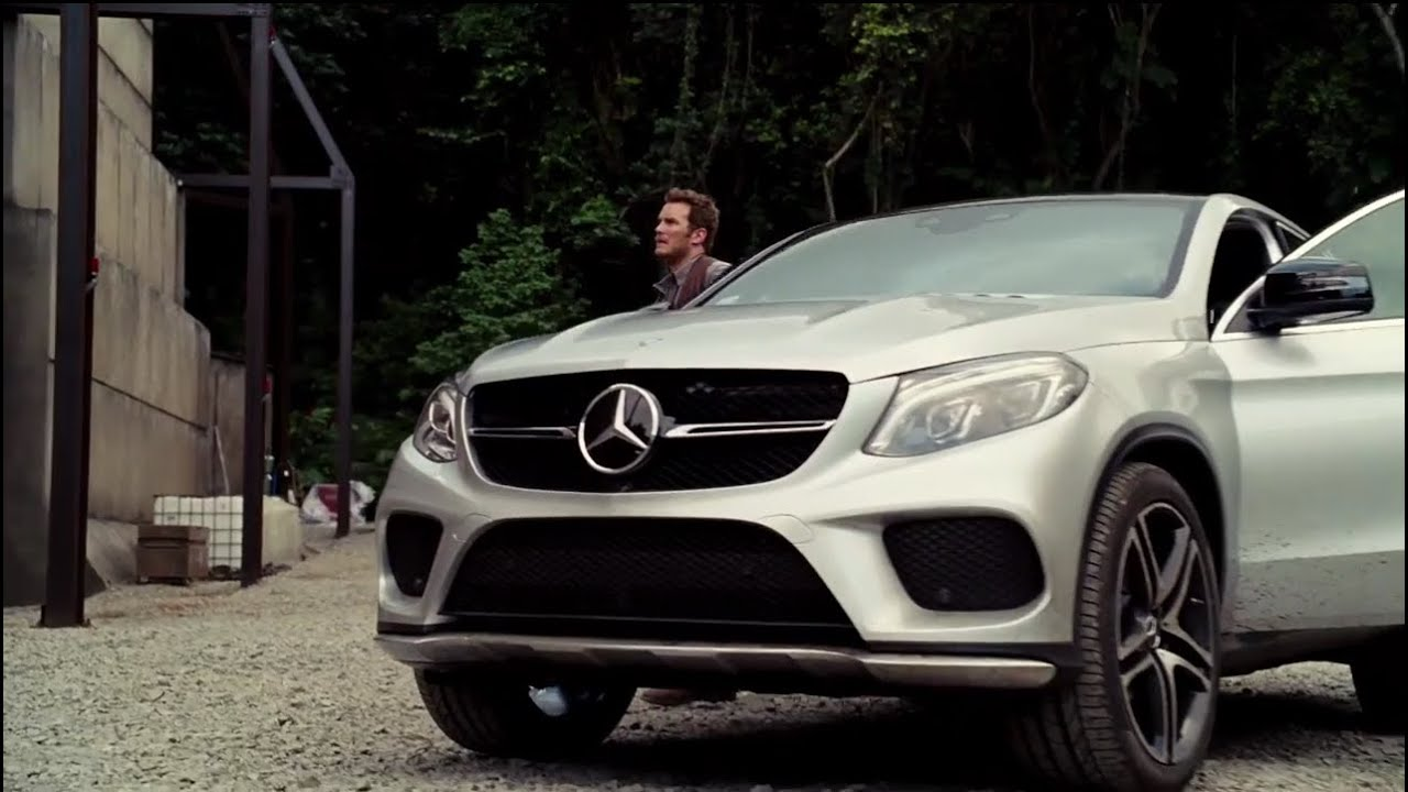 Gle >> Mercedes-Benz Behind-the-Scenes of Jurassic World - YouTube