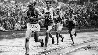 A Breathtaking finish between Emil Zátopek and Gaston Reiff in the 5,000m - London 1948 Olympics