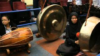 Music from traditional Malaysian instruments during Seminar Bicara 50 Tahun Muzium Negara
