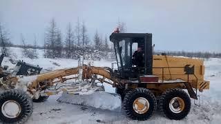 Спасение бульдозера Магаданская обл.зимник