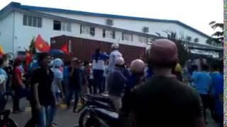 Repeat youtube video Bieu tinh o Binh Duong - Biểu tình của Công nhân KCN Bình Dương