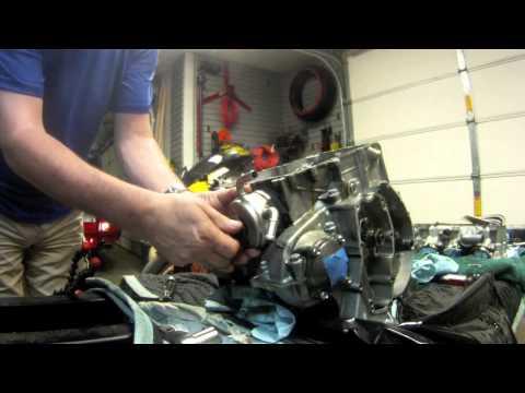 Triumph Daytona  - Engine Disassembly - Video
