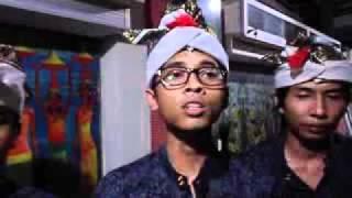 APA KABAR? : Grup Musik Etnik dari Bali, EMONI