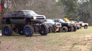 TRAIL TRUCKS MUD BOGGING FOR THE NEW YEAR!