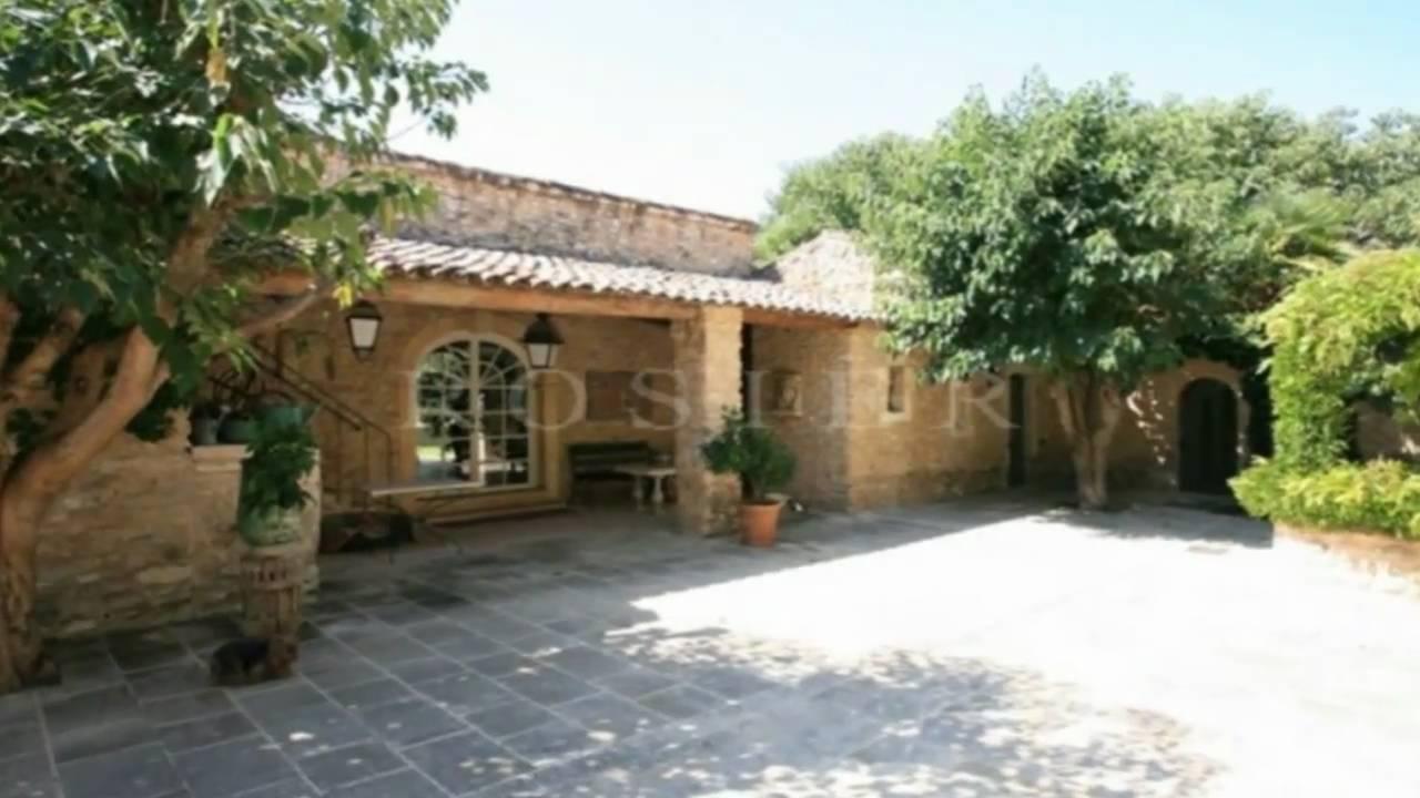 M nerbes propri t jardin avec fontaine terrasse piscin for Jardin terrasse immobilier