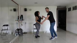 Salsa Challenge: Learn to dance salsa in Medellín (40 hours of private classes)