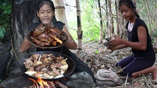 Cooking Duck with Bamboo Shoot Tasty delicious For Lunch In The Jungle